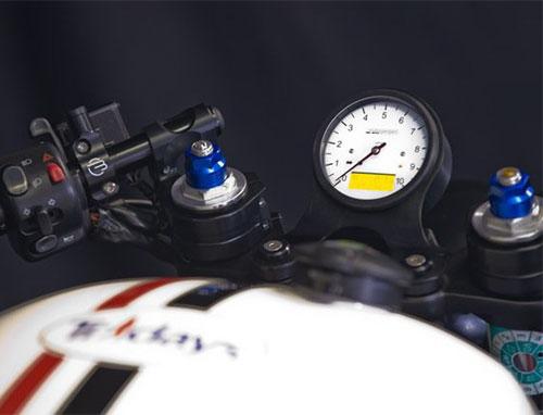 Instrumento motogadget motoscope classic.
