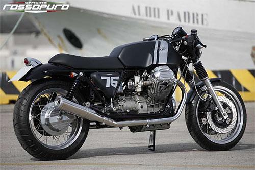 La 76, bella en negro.