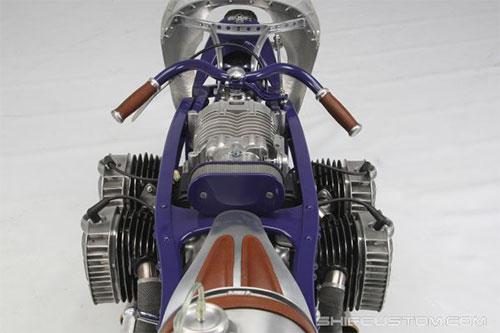 Diseño entre aeronática, Batman, vintage, retro, futura ...
