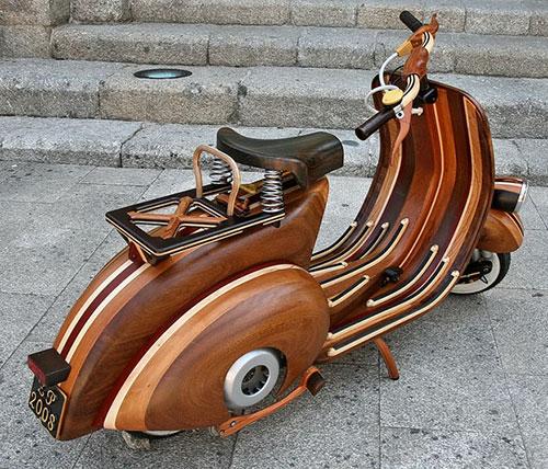 No solo ha cuidado el acabado sino también el diseño con los distintos tonos de madera.