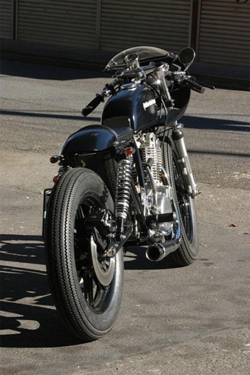 No hace falta mucha goma para crear una moto con clase.