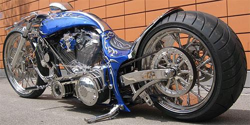 Es una ultra low rider, el asiento está a unos 40 cm del suelo.