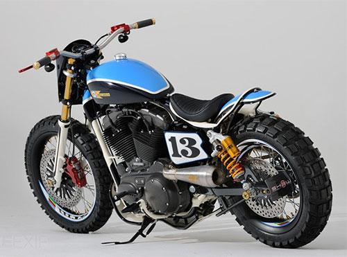 Esta moto invita a rodar, se mire desde donde se mire ...