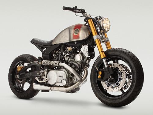 Elementos que hacen de esta moto una base fácil para entrar en curva, menos la goma trasera.